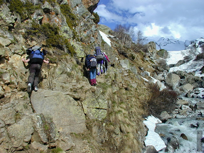 Trail to Djankuat glacier