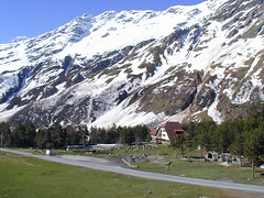 Glaciological station Azau 1