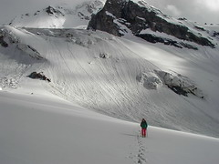 Snow cover measurements on Djankuat glacier 3